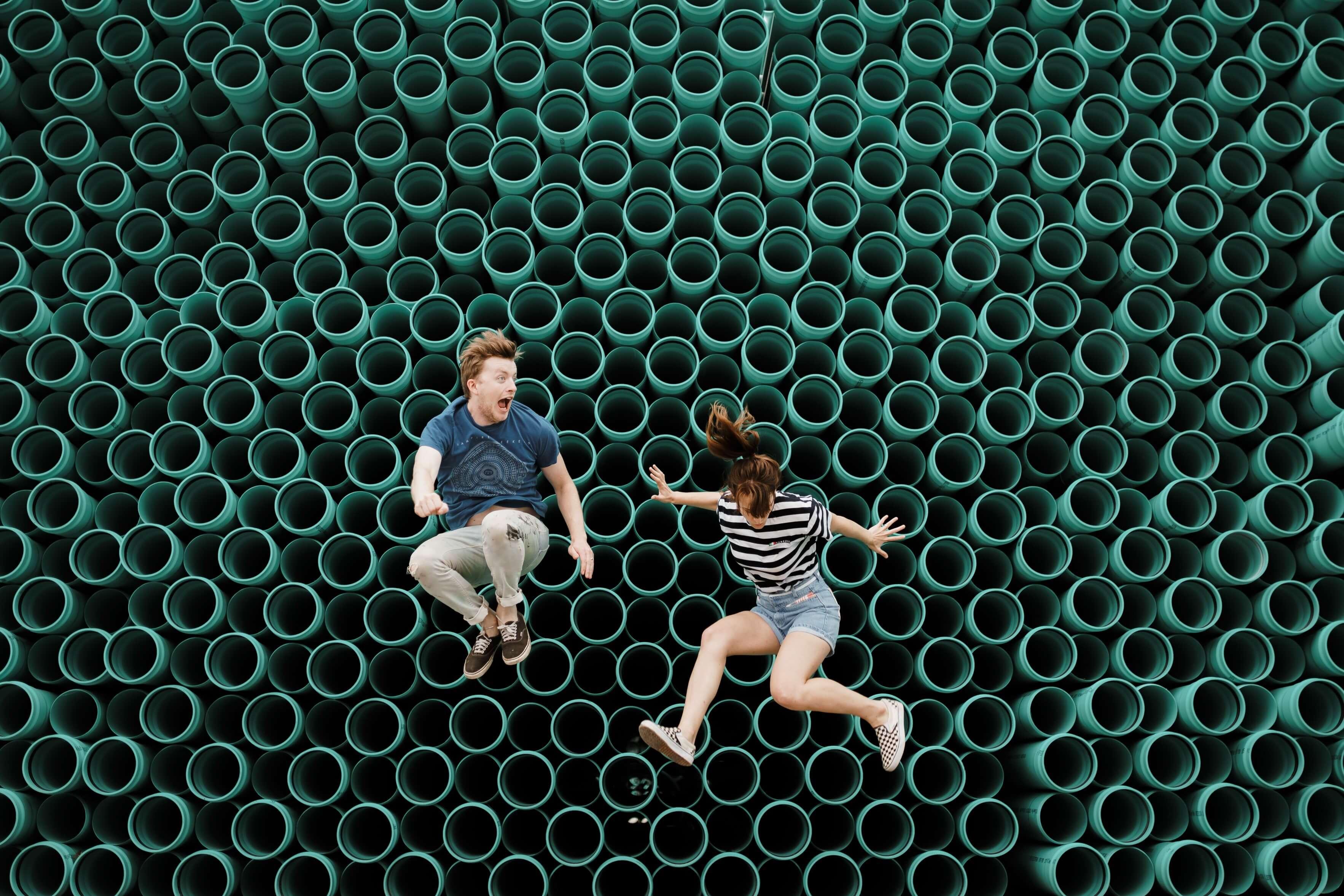 Jugendliche_springen